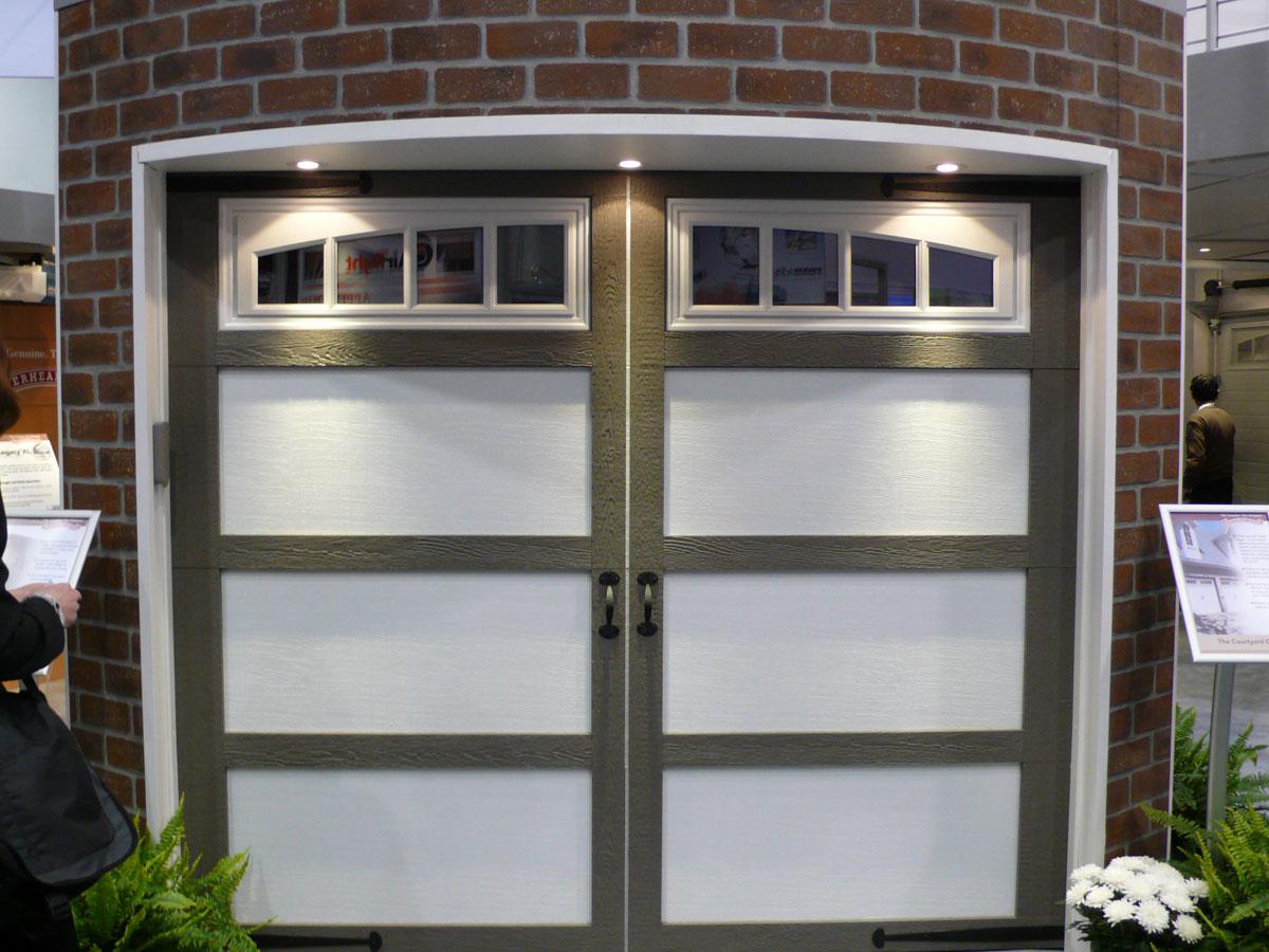 Buying Guide: Garage Doors - Door Systems, Inc. The garage door